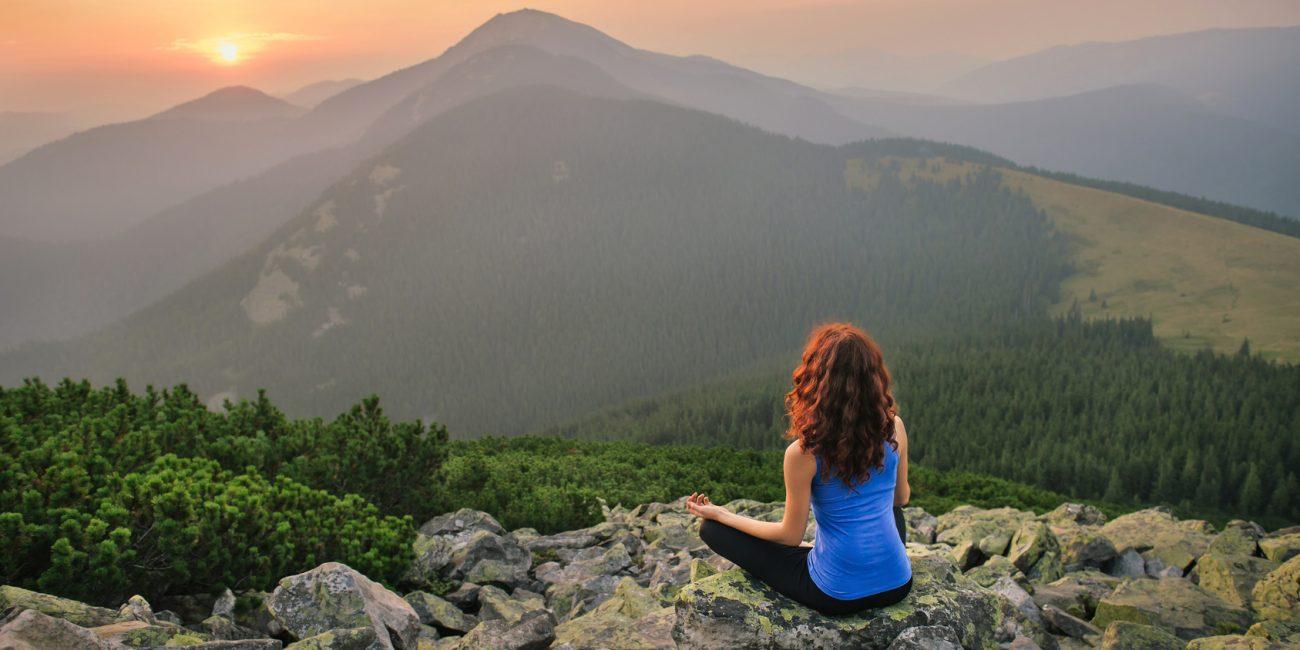 Yoga & Yogatherapie mit Julia Schregel - Verbindung zur Natur & Yogatherapie bei Ängsten, Burnout & chronischer Stressbelastung mit Lifechangingyoga by Julia Schregel in Zürich - Meilen. Ganzheitliche Yoga Kurse, Kundalini, Yogatherapie, Gesundheit & Ernährung