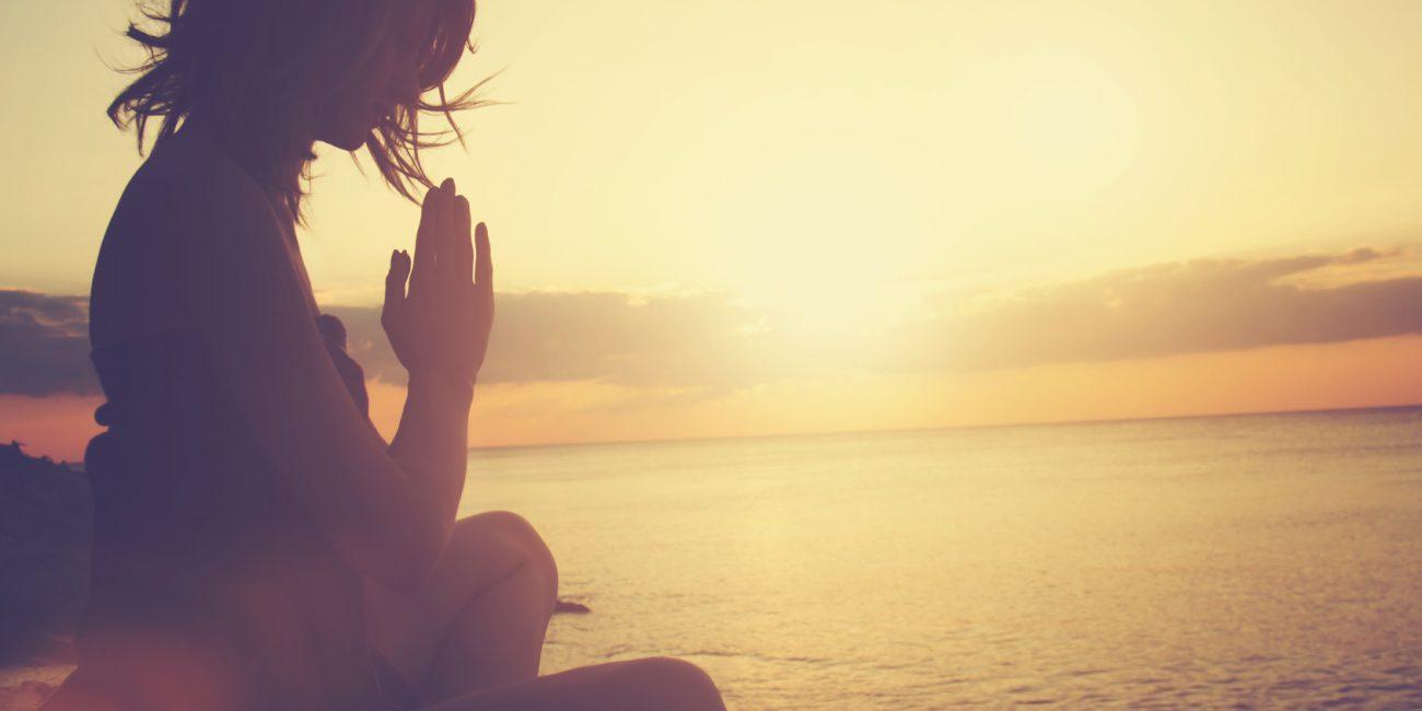 Kundalini Yoga des Bewusstseins - Kurse, Übungen, Stunden und Programm für Anfänger und Fortgeschrittene mit Julia Schregel